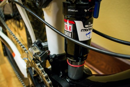 A Rock Shox Monarch air helps the Maestro Suspension